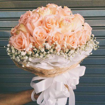 ช่อดอกไม้รูปแบบช่อกลม