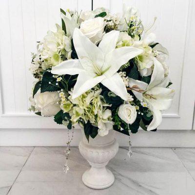 แจกันดอกไม้สำหรับมอบให้ผู้ใหญ่