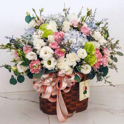 กระเช้าดอกไม้ที่ใช้เยี่ยมผู้ใหญ่