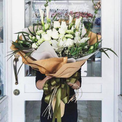 ช่อดอกไม้แสดงความยินดี