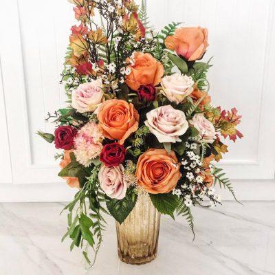 แจกันดอกไม้สำหรับแสดงความยินดี